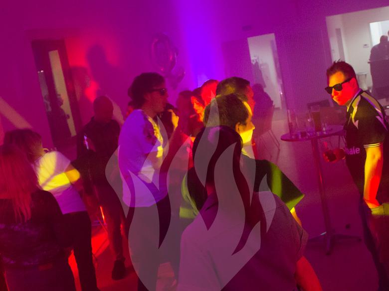 DJ Markus Herber, Hochzeits-DJ, Event-DJ, Party-DJ, Feier-Schmiede, DJ Fulda, DJ Alsfeld, DJ Bad Hersfeld, DJ Rhön, DJ Franken, DJ Sinntal, DJ Vogelsberg, DJ Main-Kinzig-Kreis, DJ Schlüchtern, DJ Gelnhausen, DJ Langenselbold, DJ Hanau, DJ Maintal, DJ Frankfurt am Main