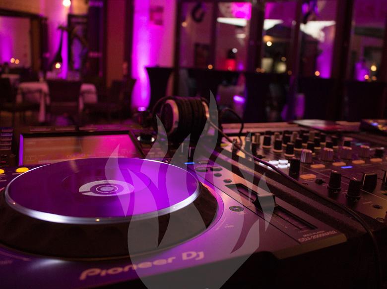 DJ, DJ-Service, Sieben Welten, 7 Welten, Afrika, Künzell, Feier-Schmiede